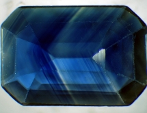 Color zoning in sapphire