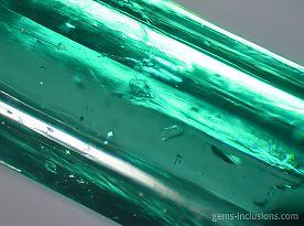 emerald-muzo-calcite-pyrite-inclusions-077-1.jpg