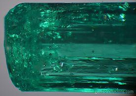 emerald-muzo-calcite-pyrite-inclusions-077-4.jpg