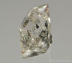 hydrocarbon-inclusions-quartz-1368.JPG