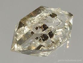 hydrocarbon-inclusions-quartz-589.JPG