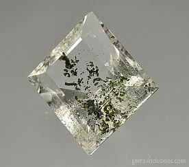 chlorite-inclusions-quartz-2158.JPG