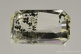 chlorite-inclusions-quartz-1119.JPG