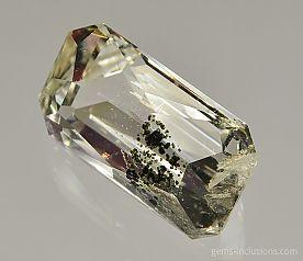 chlorite-inclusions-quartz-1121.JPG