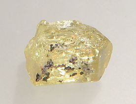 magnetite-inclusions-apatite-138-3.JPG