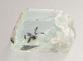 columbite-tantalite-inclusions-aquamarine-538-1.JPG