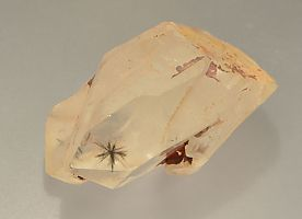 hollandite-inclusions-quartz-780-1.JPG